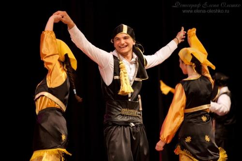 Отчетное выступление ансамбля греческого танца «Ангалица», 2011