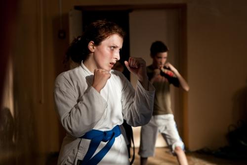 Девушка на тренировке по карате, 2011